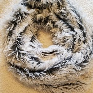 Accessories - Fluffy Infinity Scarf